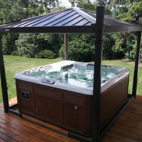 Hydropool Bristol hot tubs & swimspas, at our showroom located between Bristol and Bath we stock Covana covers to help protect your hot tub spa.